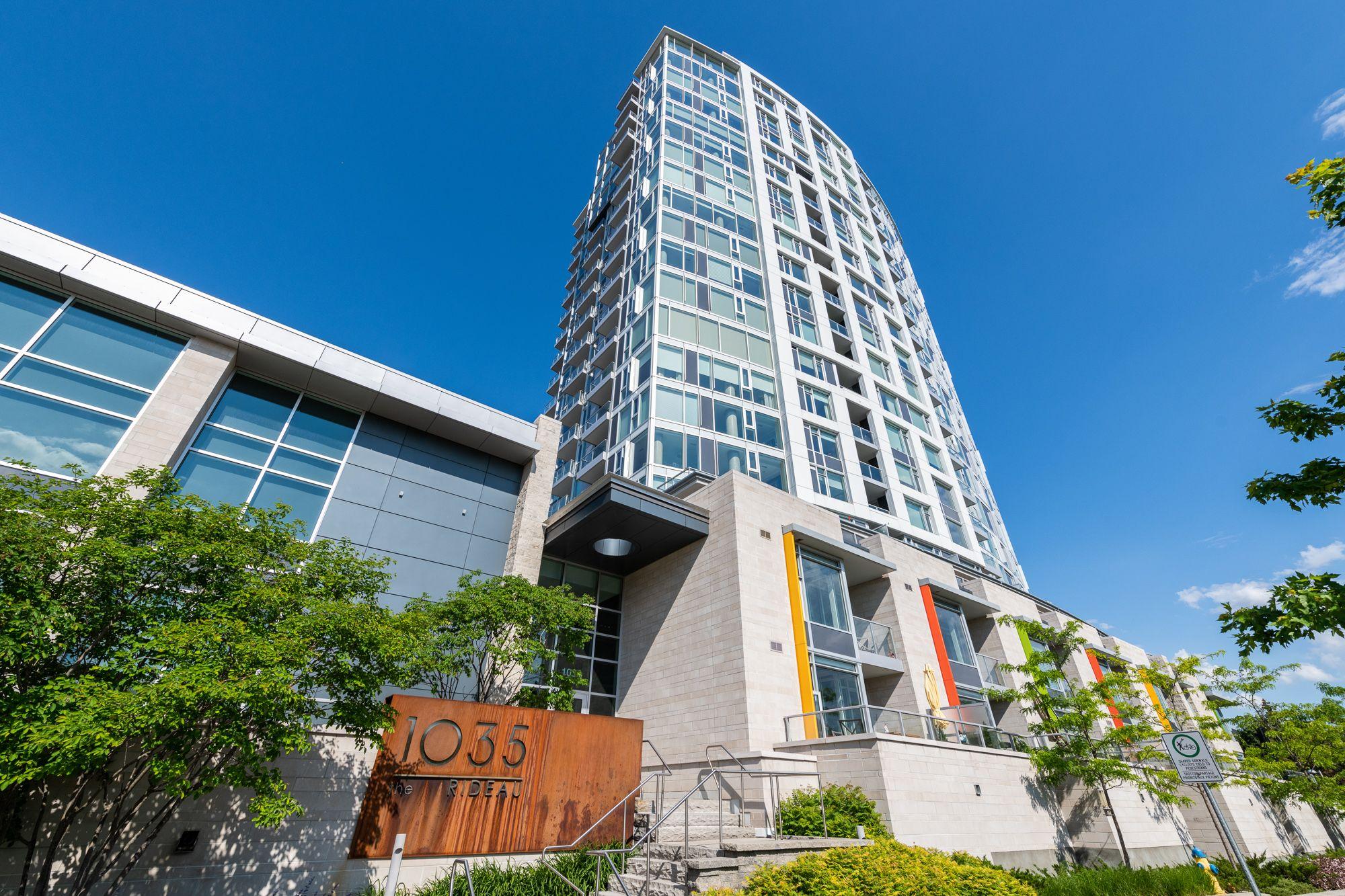 Main Photo: #1902 1035 East BANK Street in Ottawa: House for sale : MLS®# 1245360