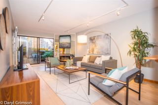 """Photo 7: 1006 IRONWORK PASSAGE in Vancouver: False Creek Townhouse for sale in """"Marine Mews"""" (Vancouver West)  : MLS®# R2420267"""