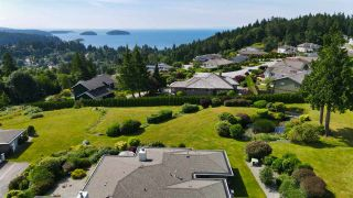 "Photo 32: 8 554 EAGLECREST Drive in Gibsons: Gibsons & Area Townhouse for sale in ""Georgia Mirage"" (Sunshine Coast)  : MLS®# R2474537"