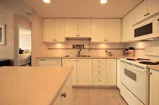 Photo 8: 1704 615 HAMILTON STREET in New Westminster: Uptown NW Condo for sale : MLS®# R2136770