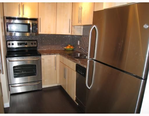 "Main Photo: 204 2777 OAK Street in Vancouver: Fairview VW Condo for sale in ""TWELVE OAKS"" (Vancouver West)  : MLS®# V710371"