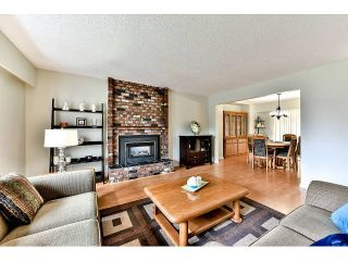 "Photo 3: 14410 CHARTWELL Drive in Surrey: Bear Creek Green Timbers House for sale in ""CHARTWELL"" : MLS®# F1439032"