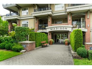 """Photo 2: 407 15357 17A Avenue in Surrey: King George Corridor Condo for sale in """"Madison"""" (South Surrey White Rock)  : MLS®# R2479245"""