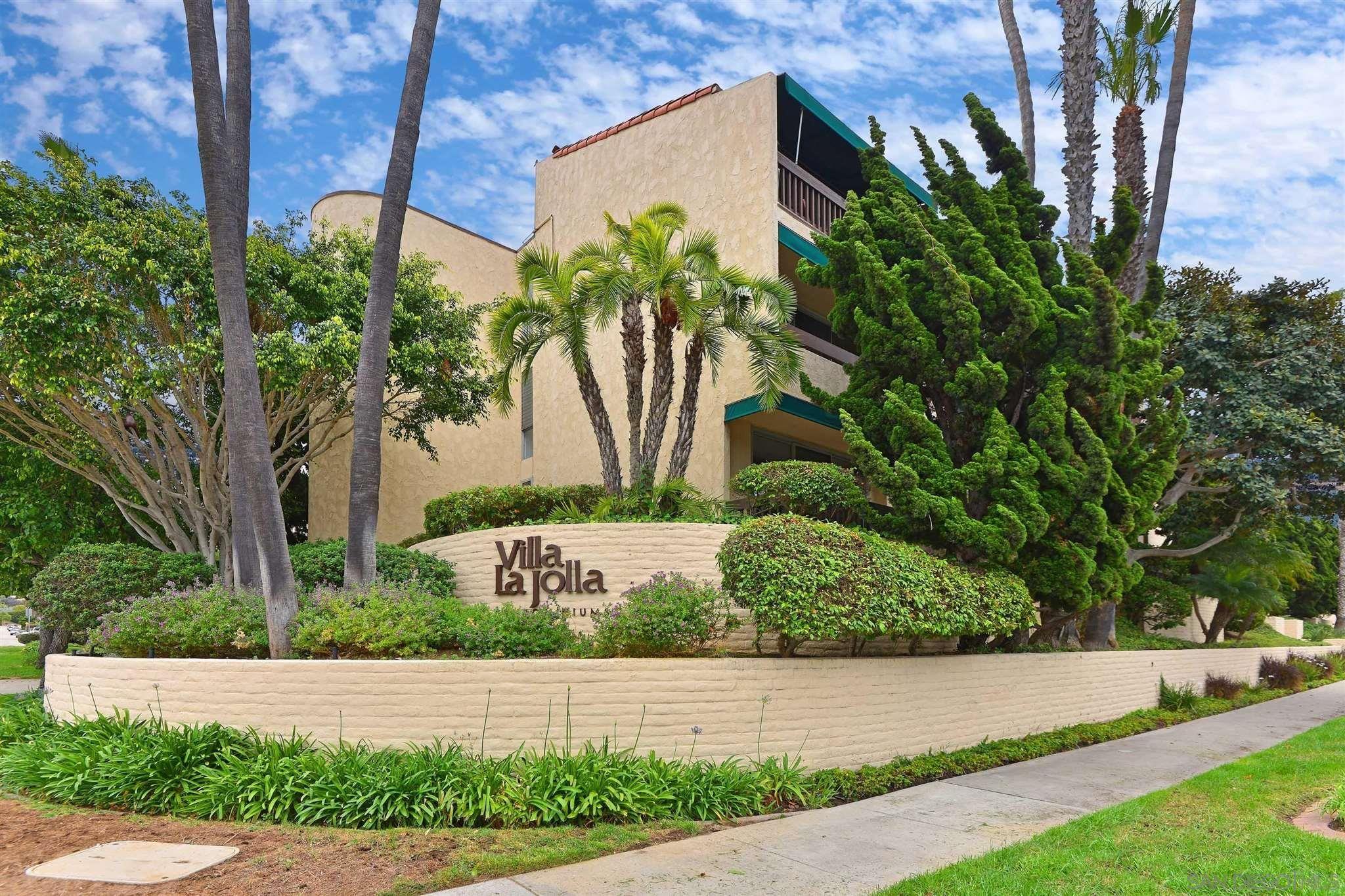 Main Photo: LA JOLLA Condo for sale : 2 bedrooms : 6455 La Jolla Blvd #115