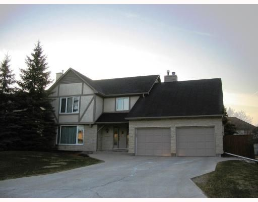 Main Photo: 625 HOLLAND Boulevard in WINNIPEG: River Heights / Tuxedo / Linden Woods Residential for sale (South Winnipeg)  : MLS®# 2806629