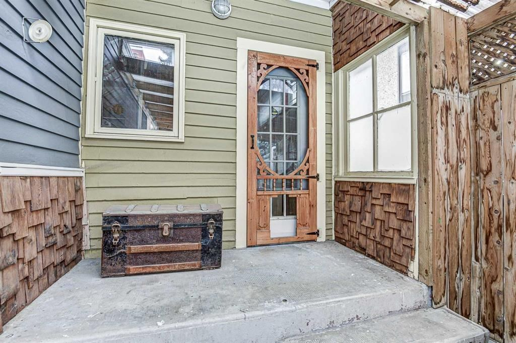Photo 5: Photos: 120 15 Street NW in Calgary: Hillhurst Detached for sale : MLS®# A1050492