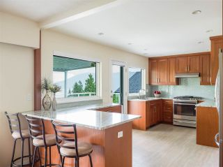 Photo 12: 4229 GLENHAVEN Crescent in North Vancouver: Dollarton House for sale : MLS®# R2465673