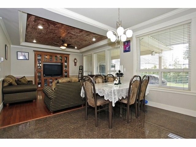 Photo 7: Photos: 9730 153A Street in Surrey: Guildford House for sale (North Surrey)  : MLS®# F1409130