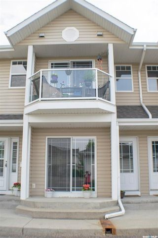 Photo 2: 202 I 141 105th Street West in Saskatoon: Sutherland Residential for sale : MLS®# SK842881
