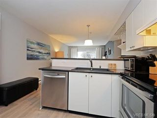 Photo 11: 106 827 North Park St in VICTORIA: Vi Central Park Condo for sale (Victoria)  : MLS®# 752664