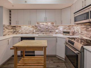 """Photo 5: 103 2741 E HASTINGS Street in Vancouver: Hastings Sunrise Condo for sale in """"The Riviera"""" (Vancouver East)  : MLS®# R2538941"""