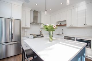 """Photo 7: 411 2628 YEW Street in Vancouver: Kitsilano Condo for sale in """"Connaught Place"""" (Vancouver West)  : MLS®# R2377344"""