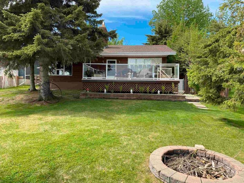 FEATURED LISTING: 306 CRYSTAL SPRINGS Close Rural Wetaskiwin County