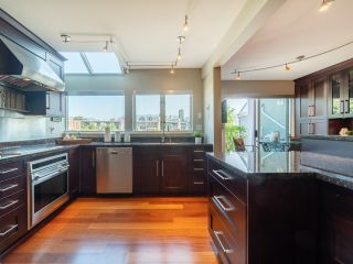 """Photo 15: 1594 ISLAND PARK Walk in Vancouver: False Creek Townhouse for sale in """"THE LAGOONS"""" (Vancouver West)  : MLS®# R2297532"""