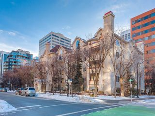 Main Photo: 112 777 3 Avenue SW in Calgary: Eau Claire Apartment for sale : MLS®# A1105150