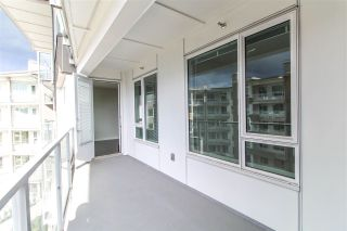 "Photo 8: 427 255 W 1ST Street in North Vancouver: Lower Lonsdale Condo for sale in ""West Quay"" : MLS®# R2213993"