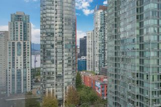 """Photo 19: 1301 1288 ALBERNI Street in Vancouver: West End VW Condo for sale in """"Palisades"""" (Vancouver West)  : MLS®# R2614069"""