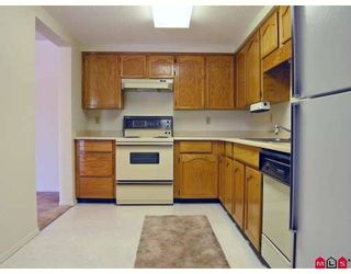 """Photo 3: 101 31850 UNION Avenue in Abbotsford: Abbotsford West Condo for sale in """"Fernwood Manor"""" : MLS®# F2810921"""