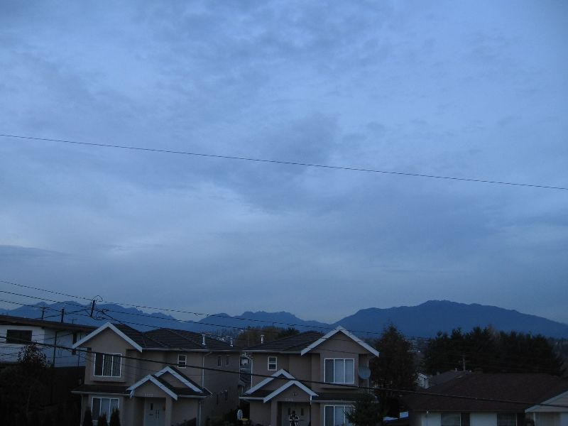 Photo 3: Photos: 5966 WOODSWORTH Street in Burnaby: Central BN 1/2 Duplex for sale (Burnaby North)  : MLS®# V619949