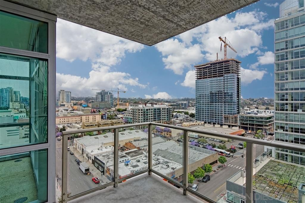 Main Photo: DOWNTOWN Condo for rent : 1 bedrooms : 800 The Mark Ln #1504 in San Diego