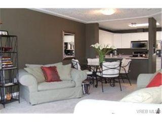 Photo 2: 308 400 Dupplin Rd in VICTORIA: SW Rudd Park Condo for sale (Saanich West)  : MLS®# 463993