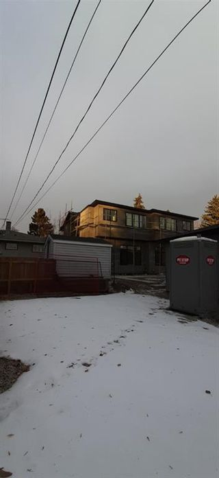 Photo 6: 2109 52 Avenue SW in Calgary: North Glenmore Park Semi Detached for sale : MLS®# A1047157