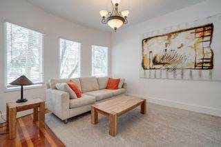 Photo 4: 410 12 Street NW in Calgary: Hillhurst Detached for sale : MLS®# A1048539