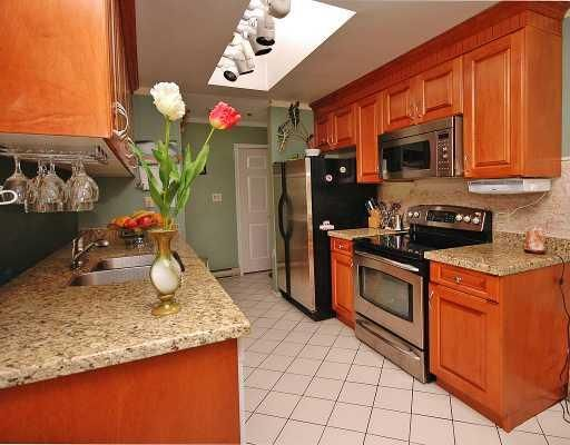 """Photo 6: Photos: 308 8633 SW MARINE Drive in Vancouver: Marpole Condo for sale in """"SOUTHBEND"""" (Vancouver West)  : MLS®# V765921"""