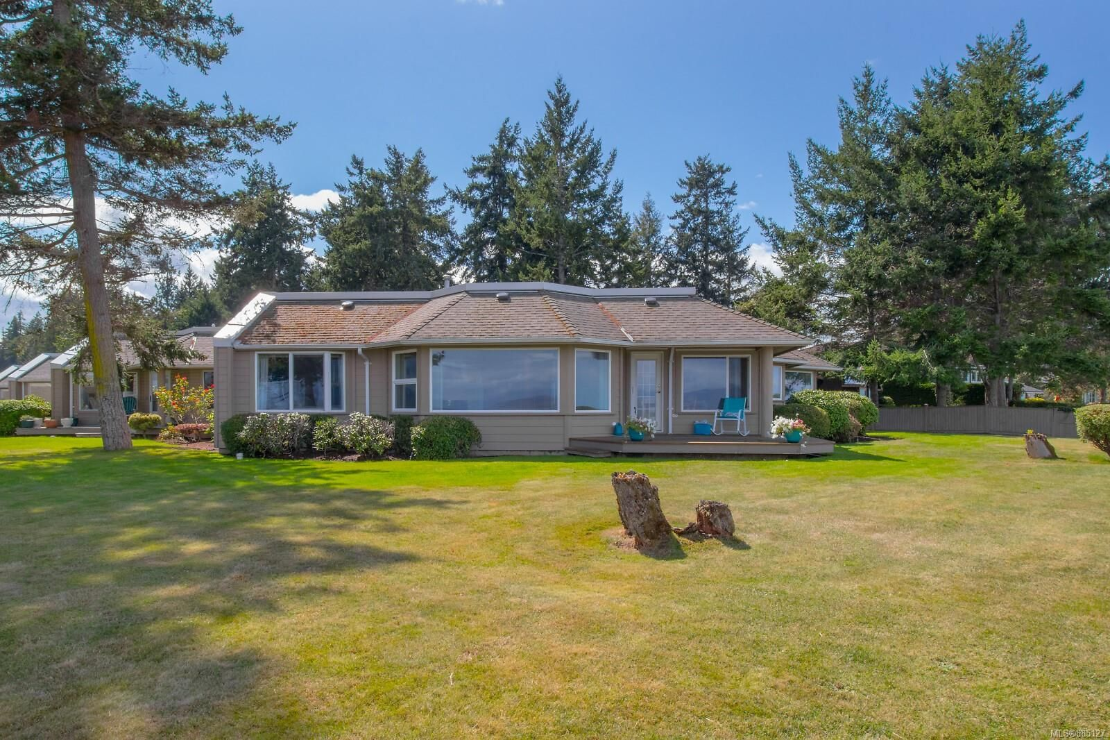 Photo 2: Photos: 26 529 Johnstone Rd in : PQ French Creek Row/Townhouse for sale (Parksville/Qualicum)  : MLS®# 885127