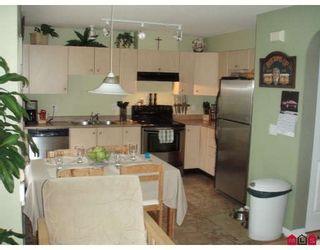 Photo 3: #53 18883 65th AV in Cloverdale: Townhouse for sale : MLS®# F2803739