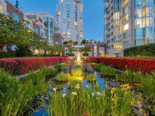 """Photo 34: 1102 1501 HOWE Street in Vancouver: Yaletown Condo for sale in """"888 BEACH"""" (Vancouver West)  : MLS®# R2554101"""