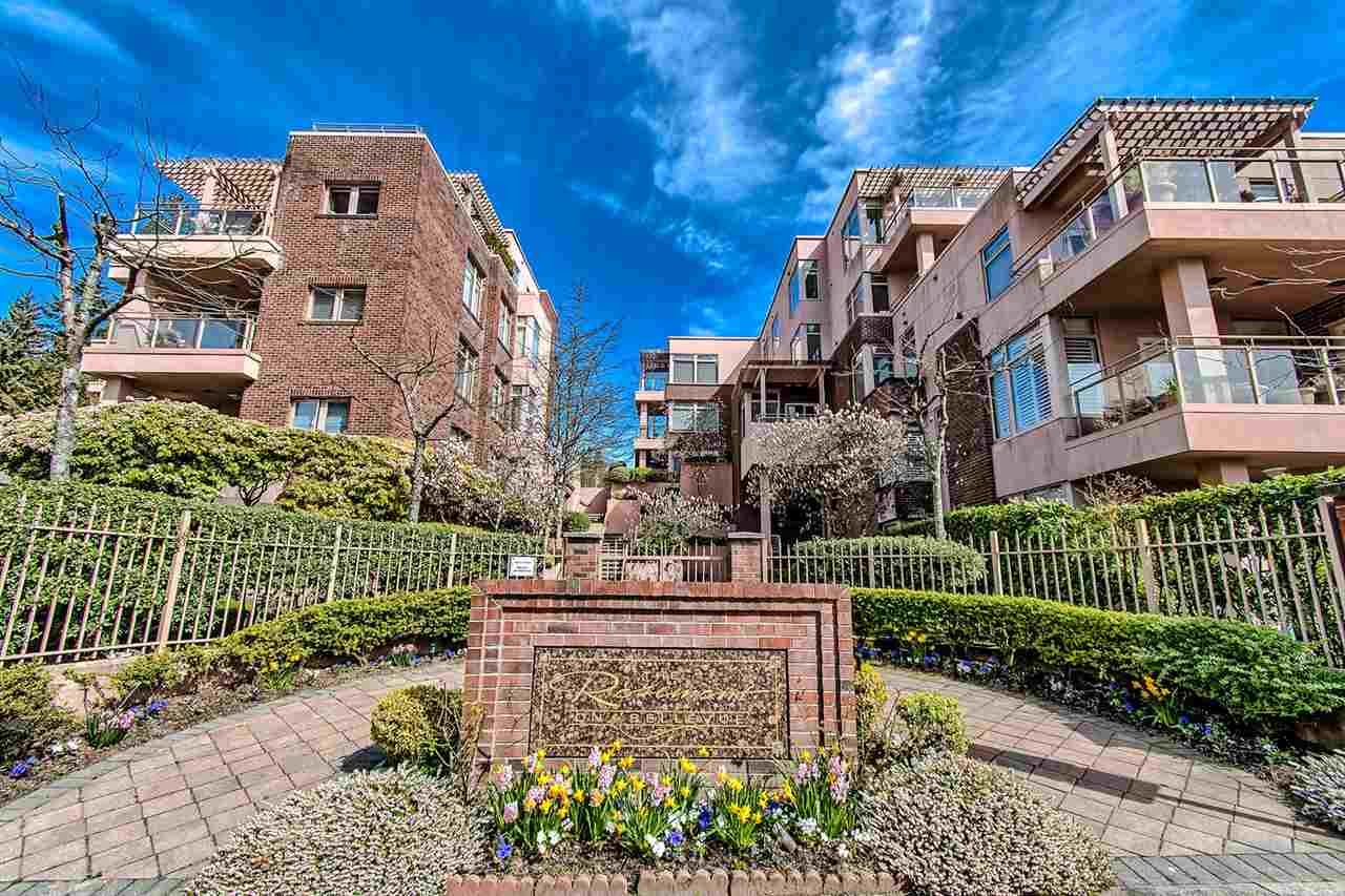 """Main Photo: 406 2271 BELLEVUE Avenue in West Vancouver: Dundarave Condo for sale in """"THE ROSEMONT ON BELLEVUE"""" : MLS®# R2356609"""