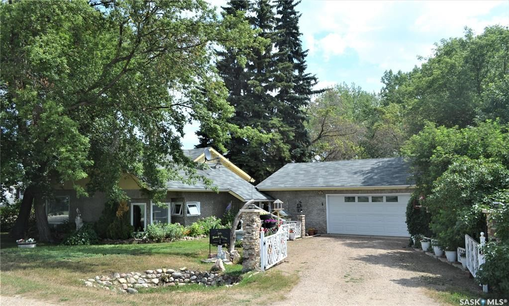 Main Photo: 104 2nd Avenue in Bradwell: Residential for sale : MLS®# SK867307
