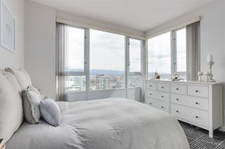 Photo 10: 3803 1033 MARINASIDE CRESCENT in Vancouver: Yaletown Condo for sale (Vancouver West)  : MLS®# R2257056