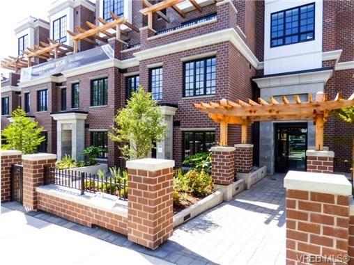 Main Photo: 402 1011 Burdett Ave in VICTORIA: Vi Downtown Condo for sale (Victoria)  : MLS®# 707845