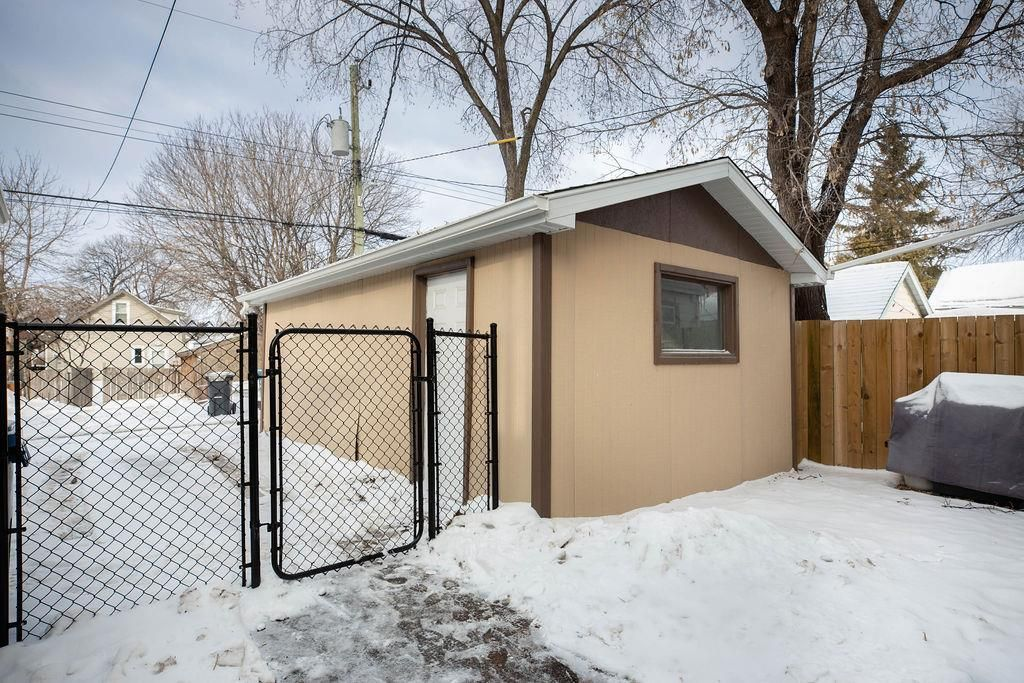 Photo 23: Photos: 284 Parkview Street in Winnipeg: St James Residential for sale (5E)  : MLS®# 202004878