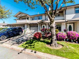 """Photo 1: 178 20391 96 Avenue in Langley: Walnut Grove Townhouse for sale in """"CHELSEA GREEN"""" : MLS®# R2455217"""