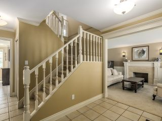 Photo 3: 5908 Boundary Place in Surrey: Panorama Ridge House for sale