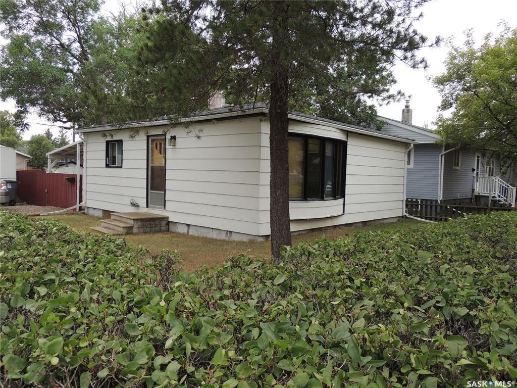 Main Photo: 802 Isabelle Street in Estevan: Hillside Residential for sale : MLS®# SK866337