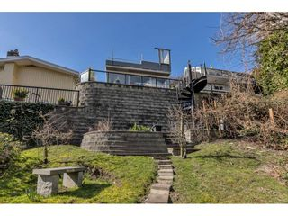 """Photo 4: 1324 HIGH Street: White Rock House for sale in """"West Beach"""" (South Surrey White Rock)  : MLS®# R2540194"""