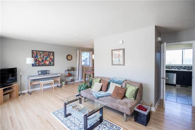 Photo 4: Photos: 79 Vincent Massey Boulevard in Winnipeg: Windsor Park Residential for sale (2G)  : MLS®# 1912809