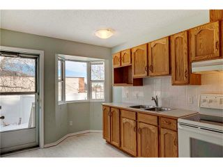 Photo 5: 15 WHITMIRE Villa(s) NE in Calgary: Whitehorn House for sale : MLS®# C4094528