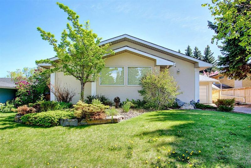 FEATURED LISTING: 382 Wildwood Drive Southwest Calgary