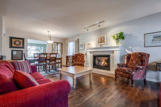 """Photo 3: 135 W ROCKLAND Road in North Vancouver: Upper Lonsdale House for sale in """"Upper Lonsdale"""" : MLS®# R2527443"""