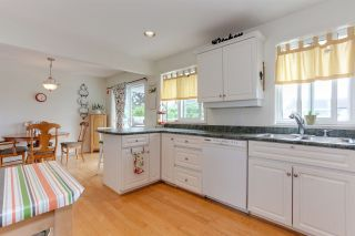 """Photo 6: 4856 43 Avenue in Delta: Ladner Elementary House for sale in """"LADNER ELEMENTARY"""" (Ladner)  : MLS®# R2204529"""
