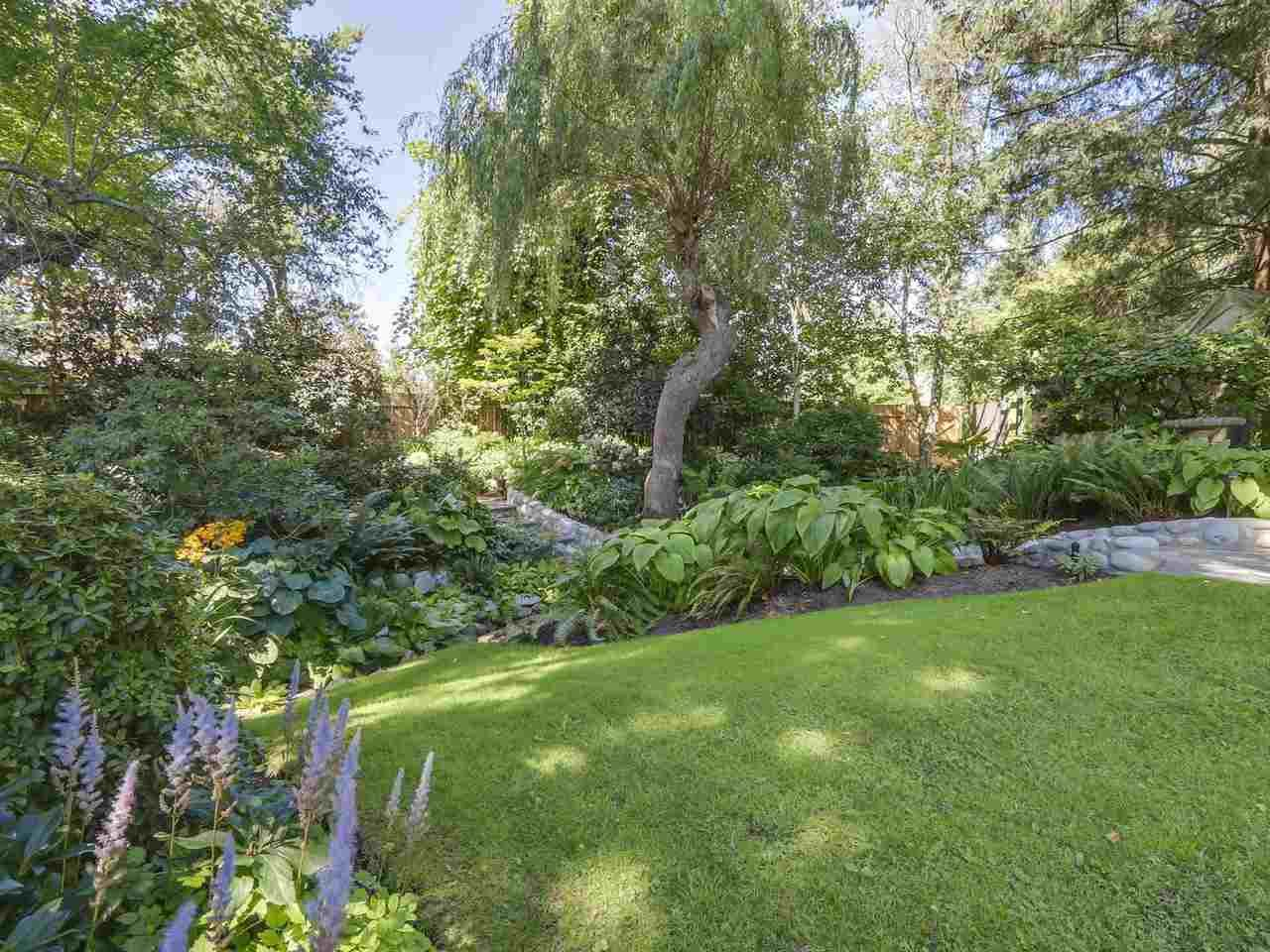 Photo 17: Photos: 587 HARRISON Avenue in Coquitlam: Coquitlam West House for sale : MLS®# R2097877