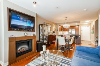 """Photo 24: 210 2940 KING GEORGE Boulevard in Surrey: King George Corridor Condo for sale in """"HIGH STREET"""" (South Surrey White Rock)  : MLS®# R2496807"""