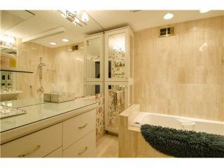 Photo 7: 701/02 3232 RIDEAU Place SW in Calgary: Rideau Park Condo for sale : MLS®# C3649551