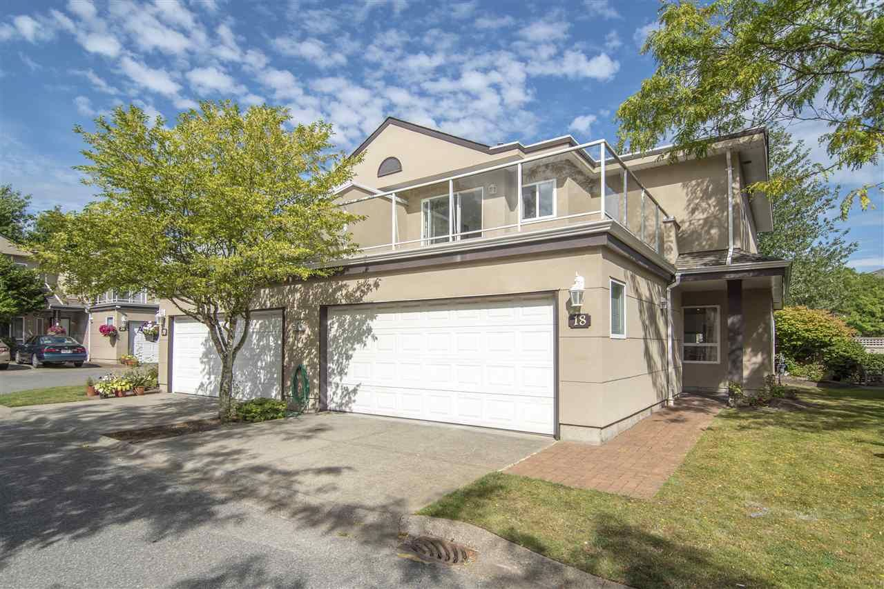 Main Photo: 18 15875 84 AVENUE in : Fleetwood Tynehead Townhouse for sale : MLS®# R2396031