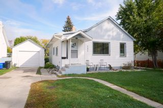 Photo 1: 131 Queen Ave in Portage la Prairie: House for sale : MLS®# 202123716